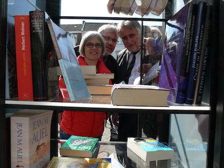 Eröffnung des Bücherschranks